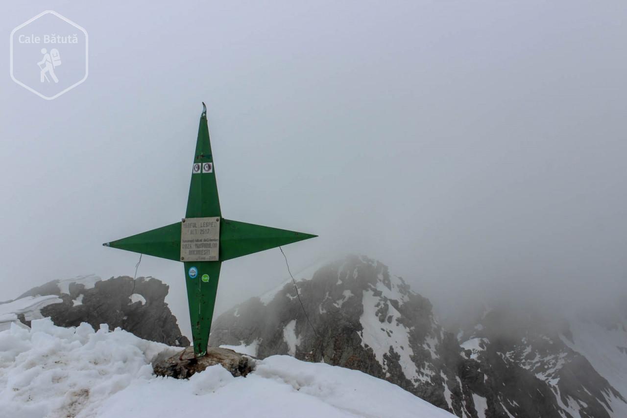 Weekend de mai în Făgăraș: Vârful Lespezi și Masivul Ghițu