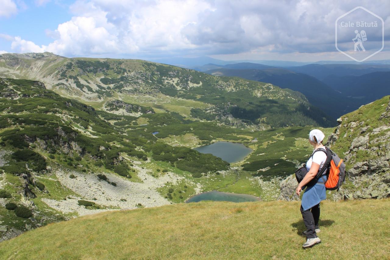 Vârful Păpușa și Lacul Gâlcescu privit de pe Creasta Parângului